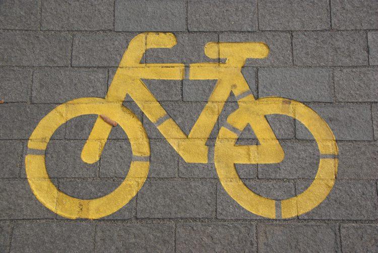 Op de fiets naar school – 5 tips om veilig op weg te gaan